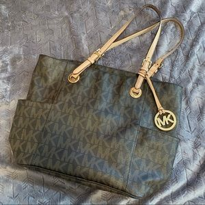 Micheal Kors Leather Tote